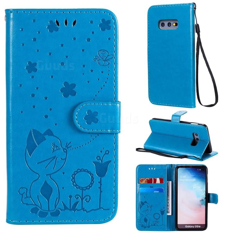 Embossing Bee and Cat Leather Wallet Case for Samsung Galaxy S10e (5.8 inch) - Blue